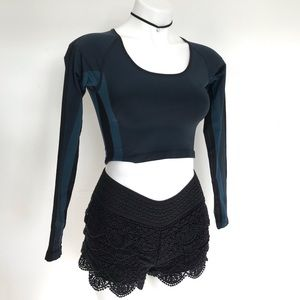 Under Armour Fitted Long Sleeve Dance Crop Top